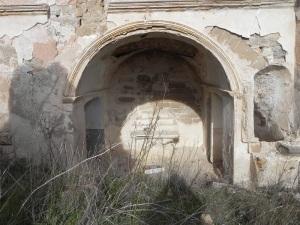 Capilla en muro norte